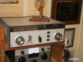 Photo: Titan 425 Amp 2 KW / WB9OTX