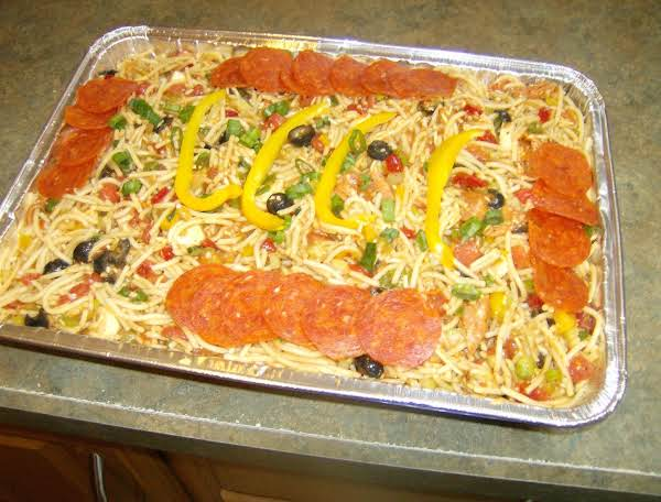 Family Reunion Size Spaghetti Salad This Salad Is Always A Hit With My Family.