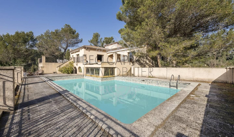 Property with pool Saint-Marc-Jaumegarde