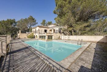 propriété à Saint-Marc-Jaumegarde (13)