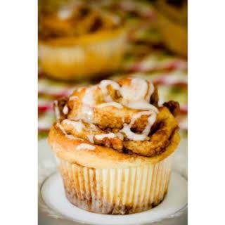 Apple Cinnamon Roll Cupcakes.