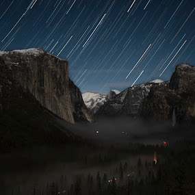 Yosemite Xmas Morning by Sean Markus - Landscapes Mountains & Hills ( nikon, yosemite, longexposure, startrail, national park photography, tunnel view, nikond750, christmas morning shooter, national parks at night, night shots, tamron, tamron28300,  )