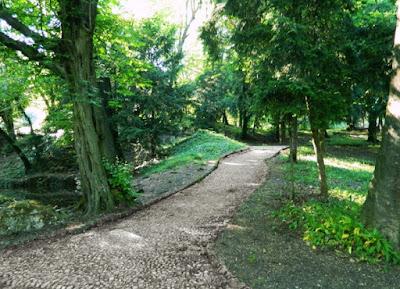 Il sentiero nel Parco di Berry