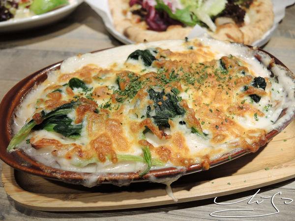 Pizza CreAfe'客意比薩 ● 咖啡 - 民權店 ➤ $189比薩想怎麼搭就怎麼搭 ! 聊天聚餐好選擇~