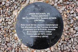 Photo: Marcas de la Memoria (14) Sede del UNTMRA, sindicato metalúrgico. Luis A. de Herrera 3972 (entre Soler y Darwin). Placa conmemorativa.