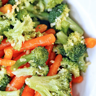 Steamed Veggies with Garlic and Oil Sauce Recipe