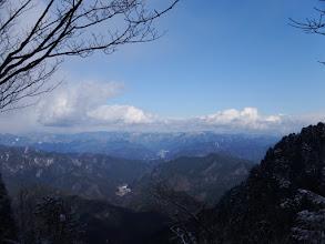 左に川上岳が僅かに