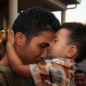 kiss for you daddy by Irfan Andariska - Babies & Children Children Candids
