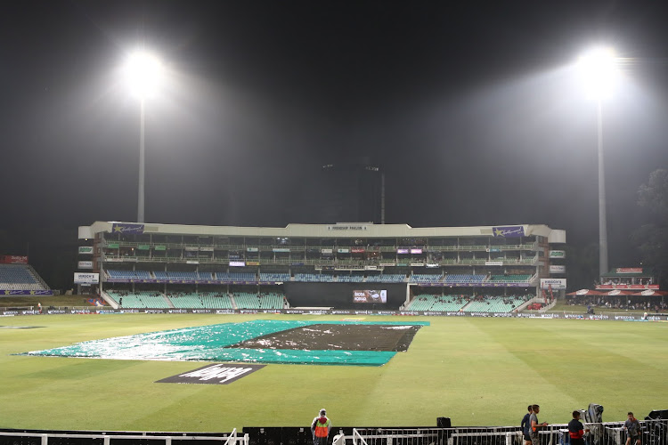 Rain forced the Mzansi Super League match between Durban Heat and Nelson Mandela Bay Giants to be abandoned at Kingsmead on December 05, 2018 in Durban, South Africa. Image: Anesh Debiky/Gallo Images