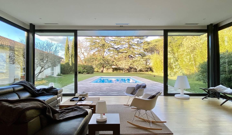 Propriété avec piscine et jardin Pessac