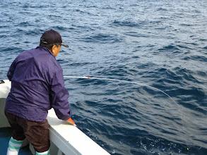 """Photo: ・・・あまりに釣れないので""""カワサキさん"""" 「タイラバ」で狙ってみます。"""