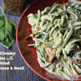 Easy Creamy Sun Dried Tomato & Basil Zoodles
