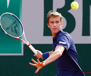 🎥  Kimmer Coppejans toont hoe hij zich in volledige quarantaine aan het voorbereiden is op de Australian Open