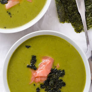 A Light & Fresh Ginger Broccoli Soup.