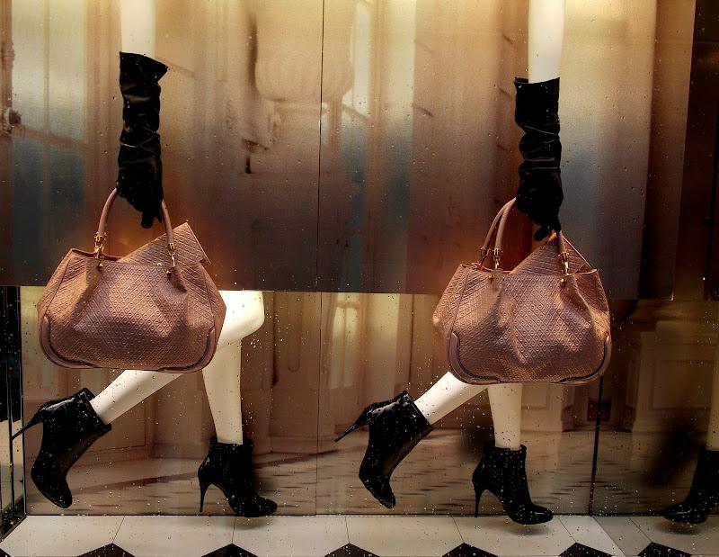 Con questi tacchi arriviamo ovunque... di Francesca Boschetti