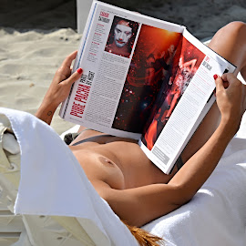 A beach reading. by Marcel Cintalan - Nudes & Boudoir Artistic Nude ( journal, relax, beach, summer )