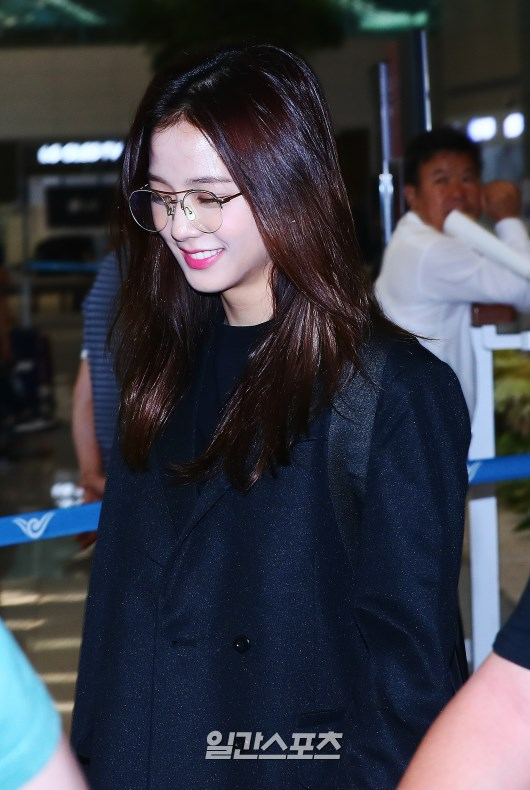 bp jisoo airport1
