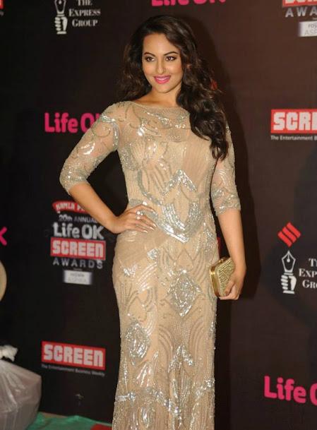 Sonakshi Sinha at Life OK Screen Awards 2013, Sonakshi Sinha in gown, Sonakshi Sinha sexy
