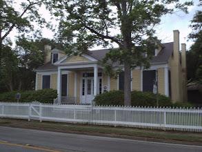 Photo: Monroe-Crook house, 1854 - Crockett