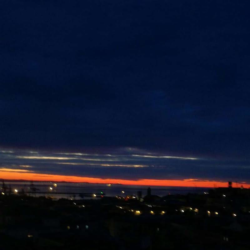 skyline in red di BALDORIA