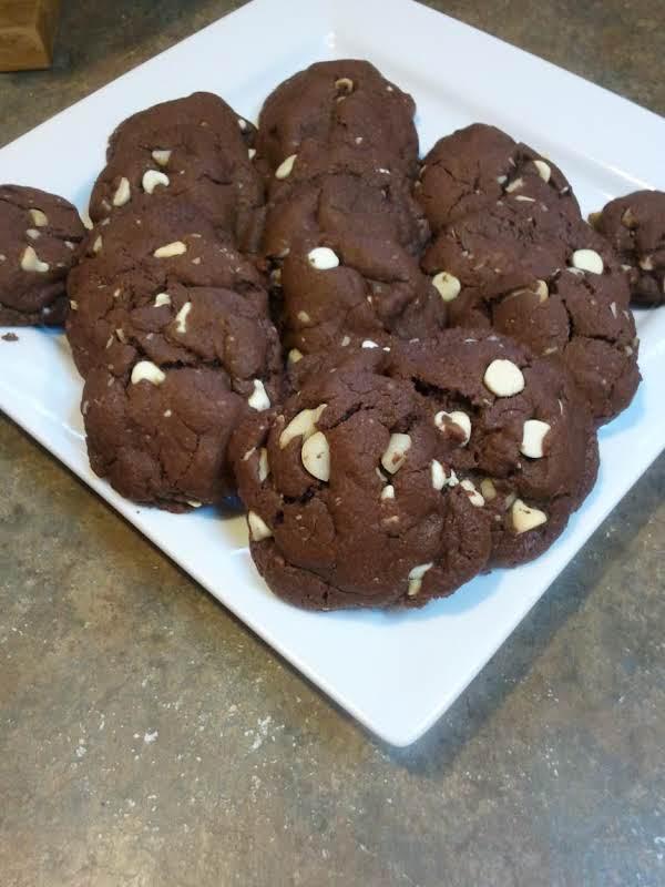 Macadamia Nutty White Chocolate Chip Cookies Recipe