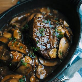Steaks with Mushroom Gravy Recipe