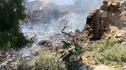 Los bomberos acuden a sofocar un incendio en Cantoria