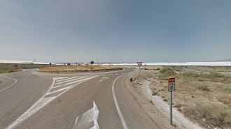 Kilómetro 0 de la 347, al aeropuerto de Almería.