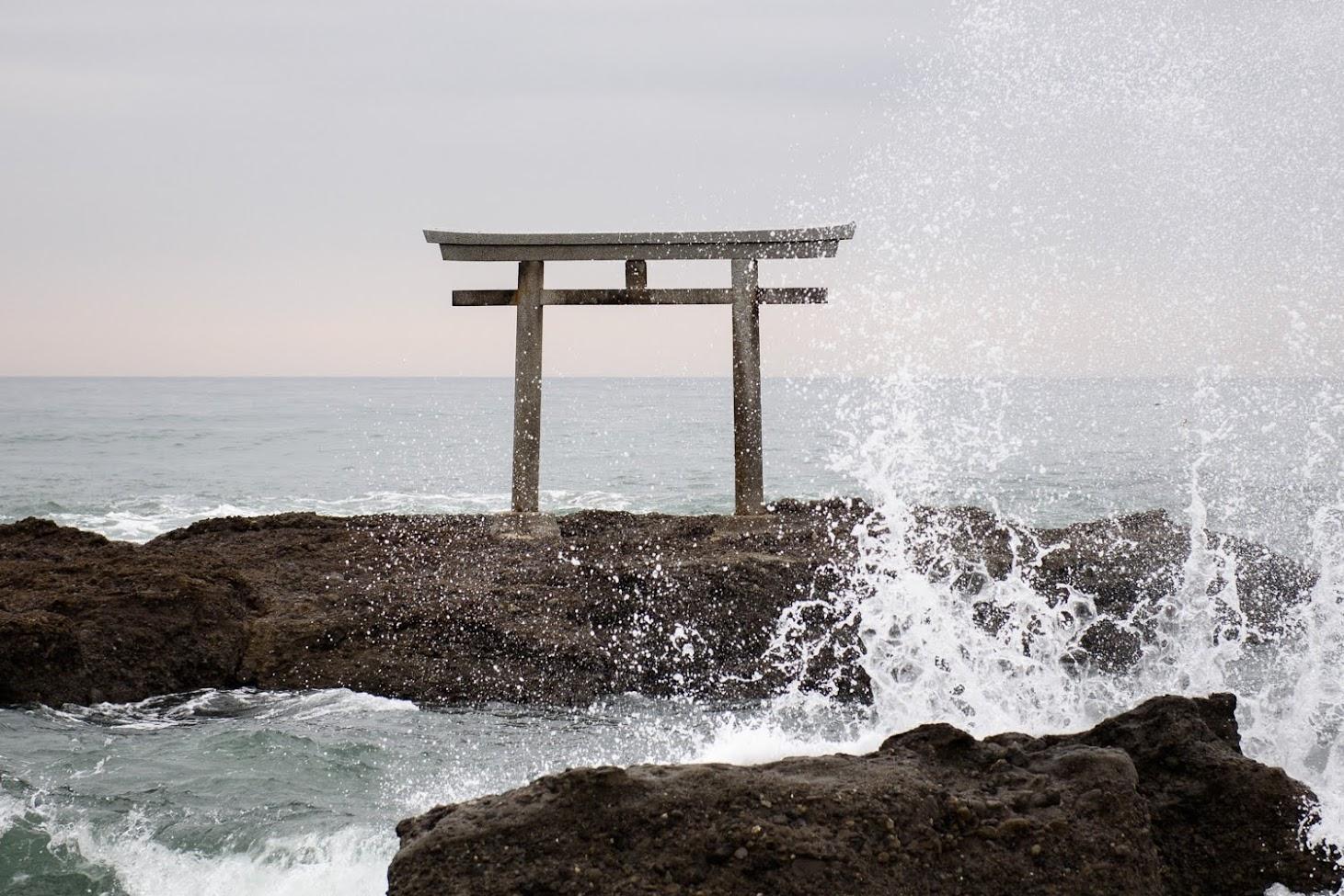 【旅9日目】大洗の海に立つ、神磯の鳥居