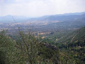 Photo: Η θέα καθώς ανεβαίνουμε για την αρχαία ακρόπολη