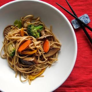Stir-Fried Udon with Vegetables