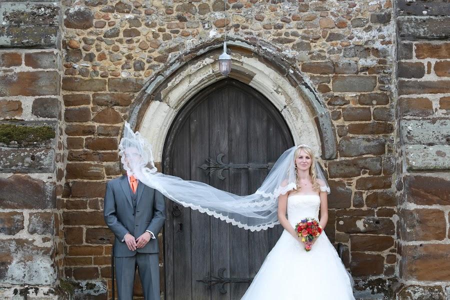 Wedding photographer Damian Thurston (damianthurston). Photo of 16.12.2017