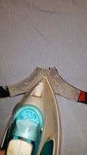 Photo: strijk een klein stukje vast, zodat het spelden verwijderd kunnen worden. Just iron a bit, so you can remove the pins