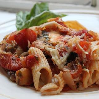 Baked Rigatoni with Mozzarella and Tomato Sauce