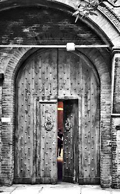 La vita continua oltre quella porta di martiniuvara