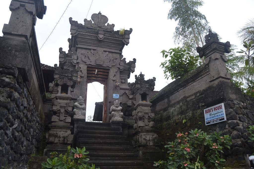 Budi House Bungalows
