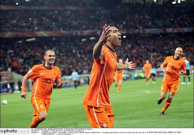 🎥 Il y a 10 ans, Giovanni Van Bronckhorst inscrivait une merveille en demi-finale du Mondial