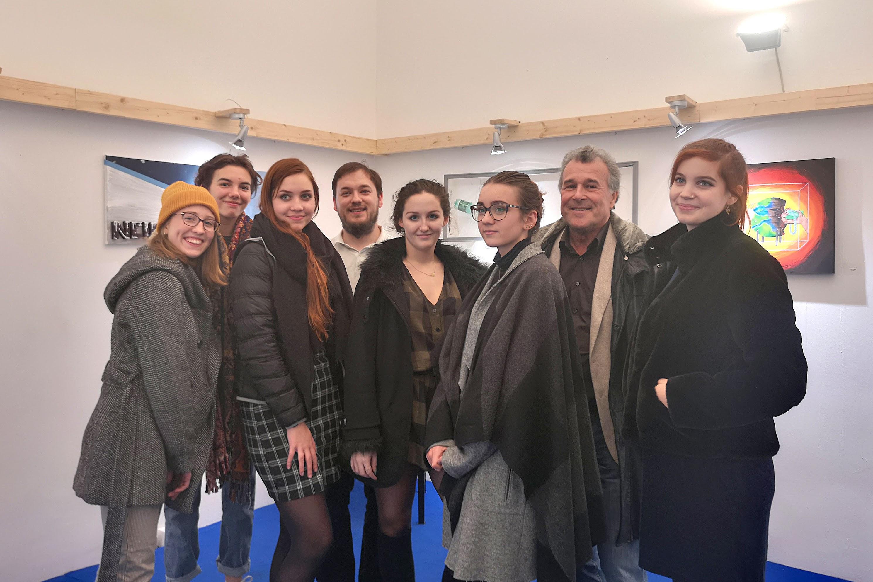 HLW-SchülerInnen stellen in Wiener Galerie aus
