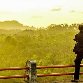 Shoting the Nature by Andi Firdaus - People Street & Candids ( shoting, nature, sunrise, photogrpher, photo, photographers, taking a photo, photographing, photographers taking a photo, snapping a shot )