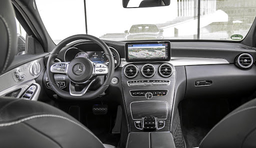 Surprisingly, Mercedes has not gone with the tech screens of the new A-Class or larger E-Class