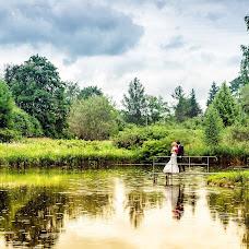 Wedding photographer Aleksandr Tikhonov (Amok). Photo of 26.08.2013