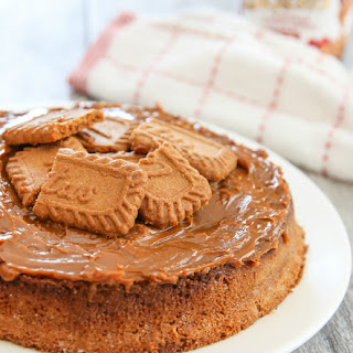 3 Ingredient Cookie Butter Cake