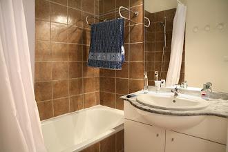 Photo: Salle de bain d'un appartement 3 pièces pour 8 personnes en duplex