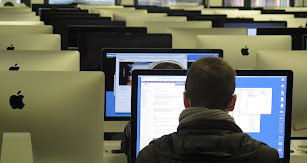 Las aulas digitales son ya totalmente habituales en los centros privados, permitiendo a los alumnos familiarizarse con las nuevas tecnologías.