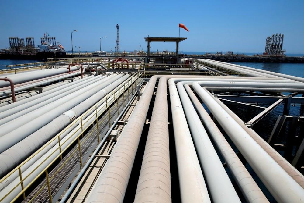 Die moontlikheid van stimulus vir groot ekonomieë help oliepryse hoër