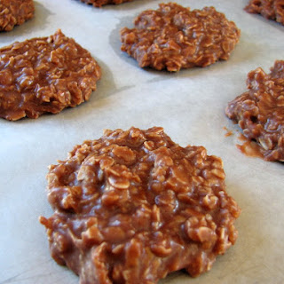 No-Bake Chocolate, Peanut Butter & Oatmeal Cookies.