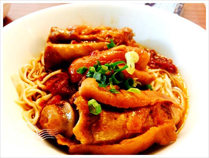 番茄廚房-番茄燉豬腳乾拌麵