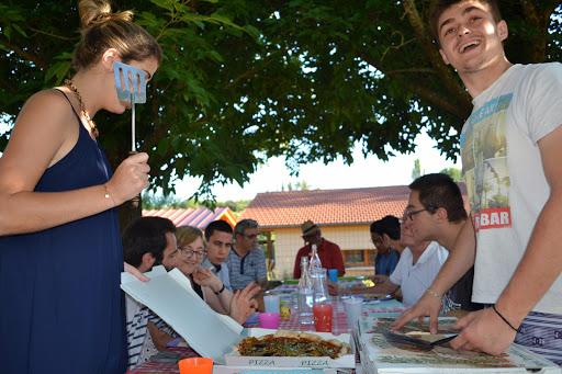 Repas partagé au foyer La Braise