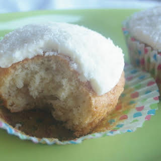 ANZAC Cupcakes (or Golden Syrup & Oat Cupcakes).
