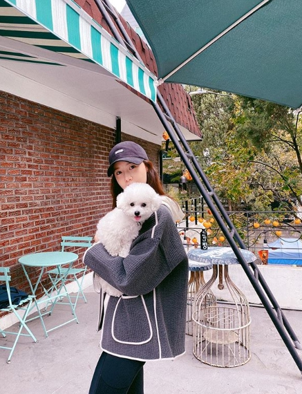 Yoona-And-Dog-1
